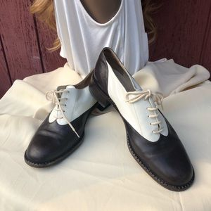 VIntage Giorgio Armani Oxfords Lace leather